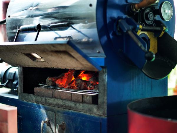 紀州備長炭を使用した焙煎専用機
